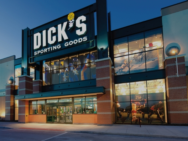Dick's Sporting Goods outlet storefront