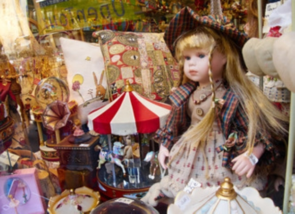 Dragonfly Sage antique store on the Square is closing by end of 2019. (Courtesy Adobe Stock)