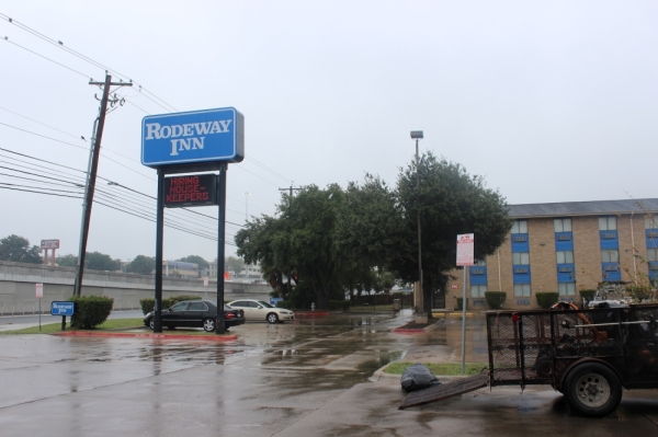 The city of Austin authorized the purchase of a Rodeway Inn at 2711 S. I-35 on Nov. 14. The city plans to convert the property into a homeless shelter. (Olivia Aldridge/Community Impact Newspaper)