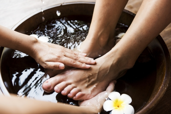 massage foot bath