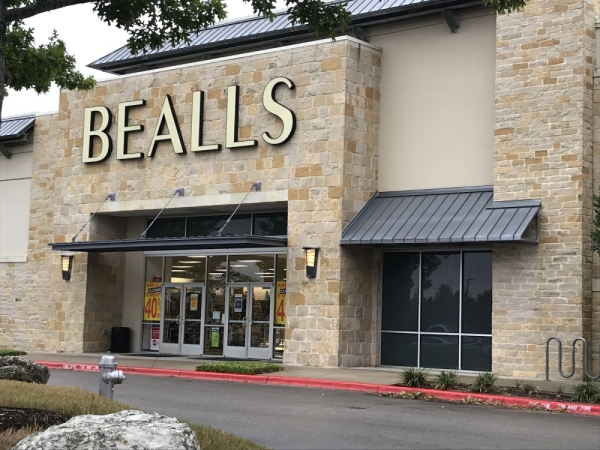 Bealls will close its store in Southpark Meadows. (Nicholas Cicale/Community Impact Newspaper)