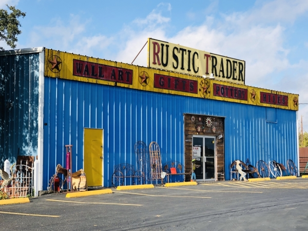 Rustic Trader is expected to close by the end of December. (Ian Pribanic/Community Impact Newspaper)