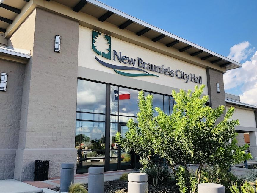 new braunfels city hall front entrance
