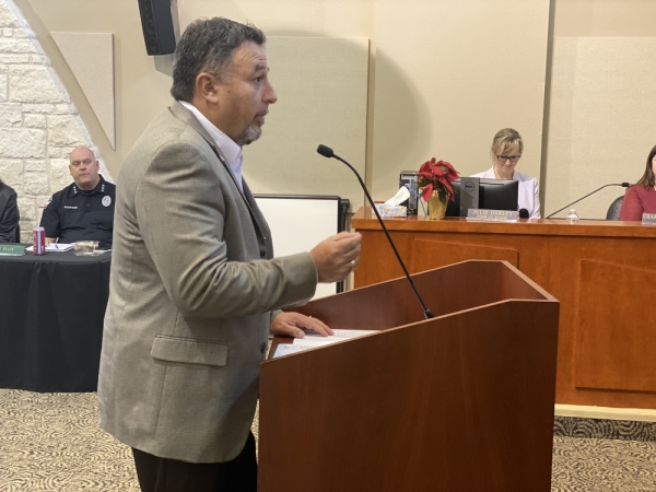 Texas Department of Transportation engineer Epi Gonzalez updated Lakeway City Council on proposed raised medians that will run through a portion of the city along RM 620. (Brian Rash/Community Impact Newspaper)