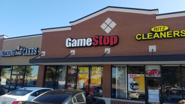 GameStop of Flower Mound will close in January. (Jason Lindsay/Community Impact Newspaper)