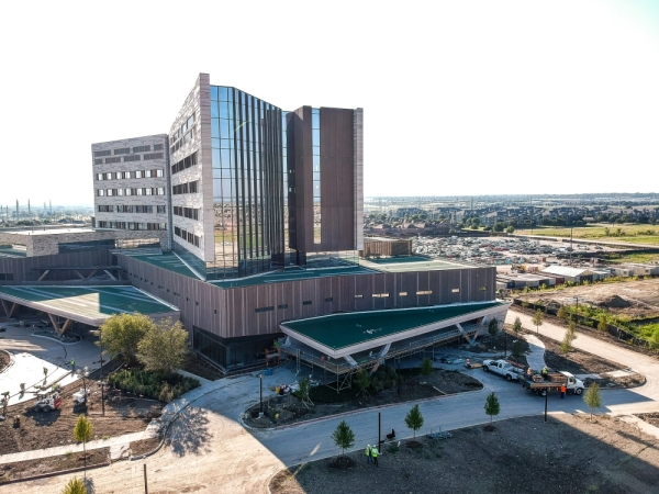 The new Texas Health Frisco campus includes a 325,000-square-foot hospital and a UT Southwestern Medical Center. (Courtesy Texas Health Frisco)