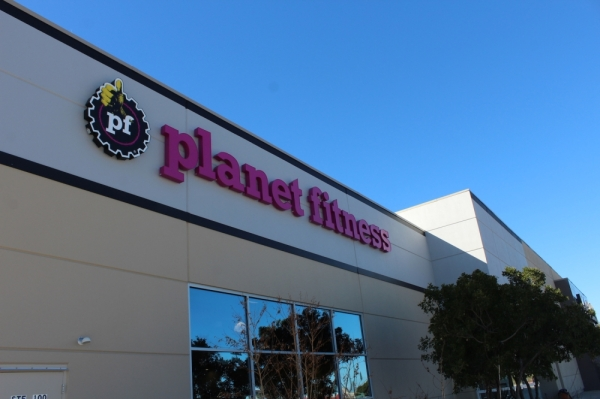 Planet Fitness opened Nov. 15 next to the Leander Kohl's. (Marisa Charpentier/Community Impact Newspaper)