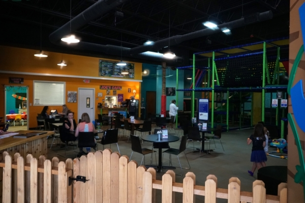 Jungle Joe's offers indoor play areas for children and a health-conscious menu for adults. The center's cafe also serves coffee and espresso-based drinks.