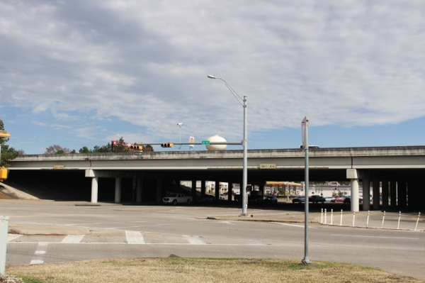 TxDOT closed the I-45 northbound main lanes at Rayford and Sawdust roads for work early in 2019. (Hannah Zedaker/Community Impact Newspaper)