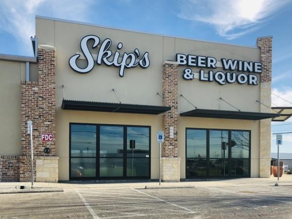 skip's beer wine & liquor new braunfels storefront