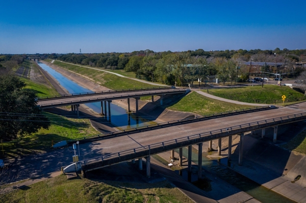 Brays Bayou bridges