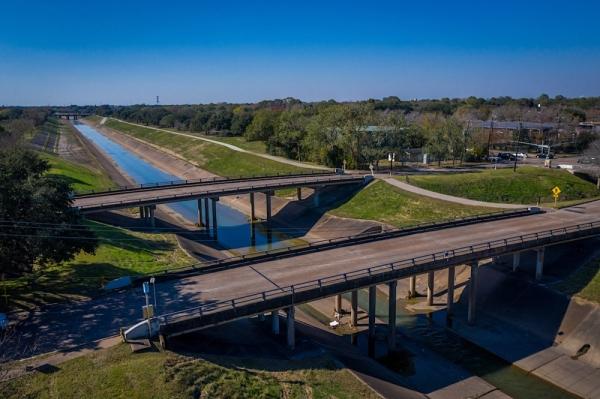 Brays Bayou bridges