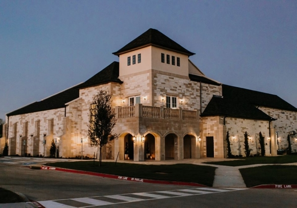 The Montclair wedding and event venue is now open in Colleyville. (courtesy Lightnote Photography)