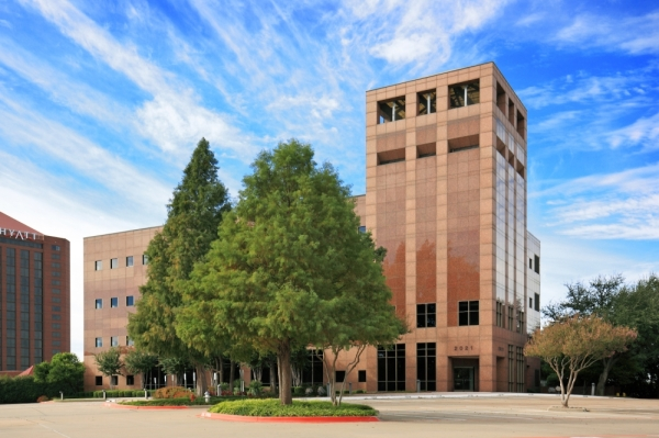 The property at 2021 Lakeside Blvd., Richardson, is one of two large-scale office buildings recently purchased in Richardson. (Courtesy BH Properties)