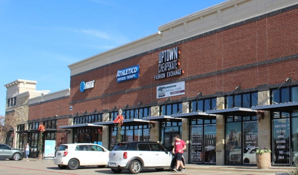Uptown Cheapskate will fully open to sell and buy clothes in Colleyville on Jan. 23. (Miranda Jaimes/Community Impact Newspaper)