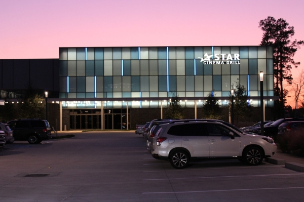 Star Cinema Grill, a dine-in theater featuring ten theaters, two large auditoriums and an event space, opened in the area in October. (Adriana Rezal/Community Impact)