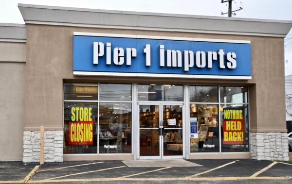 Pier 1 stores closing