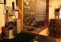 Mead is available on tap or in the bottle. (Anna Lotz/Community Impact Newspaper)