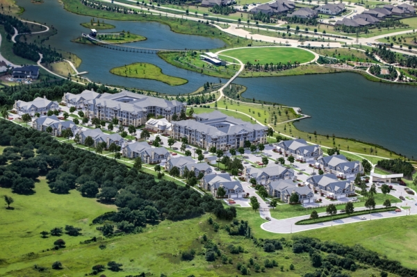 Lakeside Row's first residents moved in around late 2019. (Courtesy The Howard Hughes Corporation)