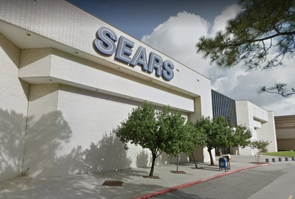 Sears in the Deerbrook Mall is set to close in April. The Sears in the Willowbrook Mall will also close. (Courtesy Google Maps)
