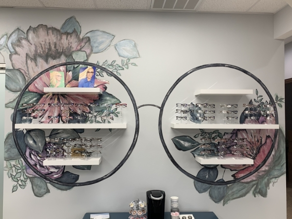 The business offers eye exams and a variety of eyeglasses. (Brian Pardue/Community Impact Newspaper)