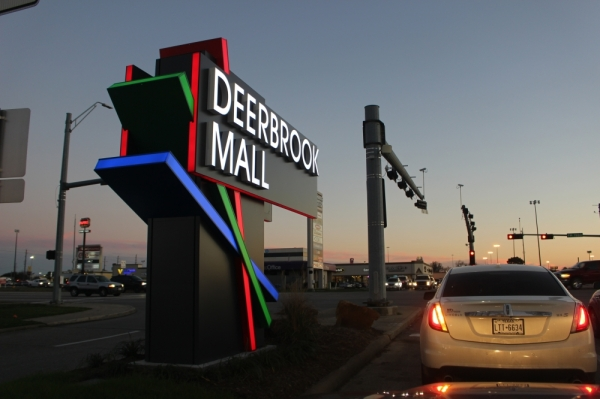 Last year, Deerbook Mall received its first major renovation since 2003 and brought in a slew of new retailers and eateries to refresh the mall. (Kelly Schafler/Community Impact Newspaper)