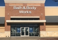 Bath and Body Works celebrated its grand opening at Stone Hill Town Center on Feb. 28. (Kelsey Thompson/Community Impact Newspaper)