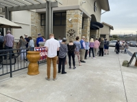 Lake Travis-Westlake residents wait in line at Lakeway's Randall's grocery store on RM 620. (Brian Rash/Community Impact Newspaper)
