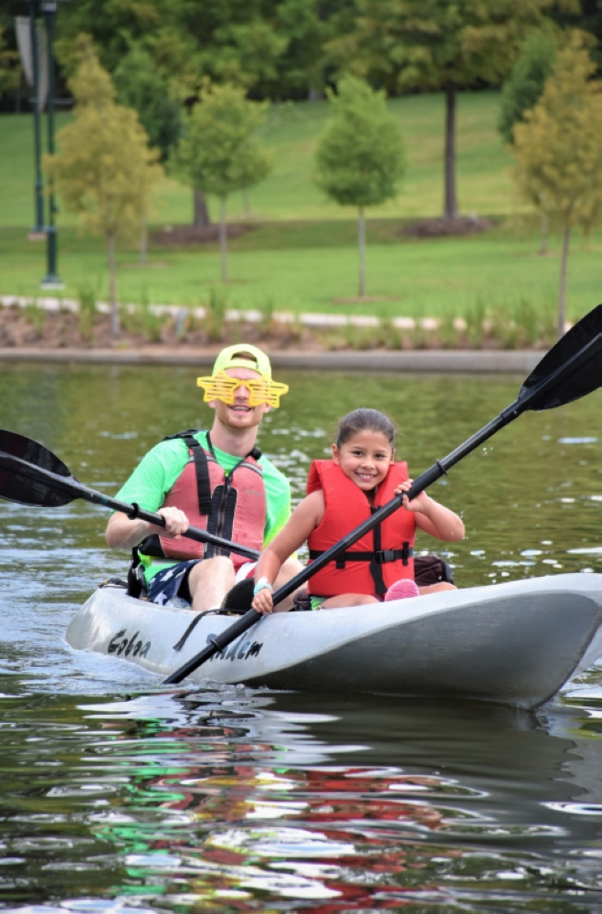 Sunny Dayz Camp programs include outdoor activities such as kayaking and swimming. (Courtesy The Woodlands Township)