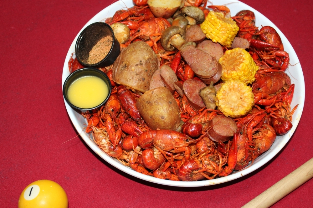 Mak's Sports Bar + Grill is now offering crawfish at $5.99 a pound starting at 4 p.m. Monday-Friday and at noon on the weekends. (Adriana Rezal/Community Impact Newspaper)