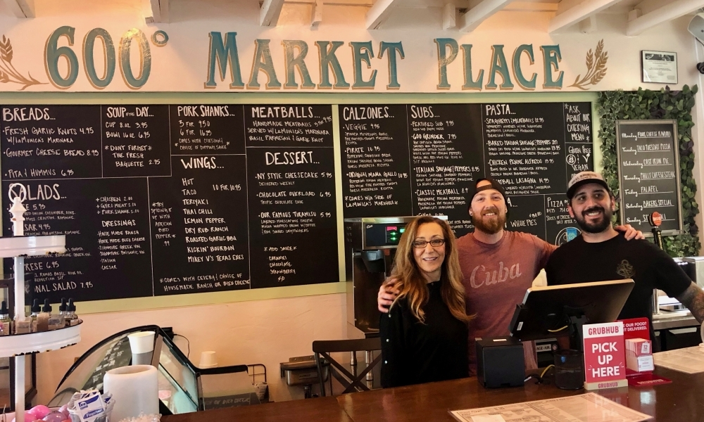 600 Degrees Market Place is offering curbside pick up and has added the option of delivery services GrubHub and UberEats. (Sally Grace Holtgrieve/Community Impact Newspaper)