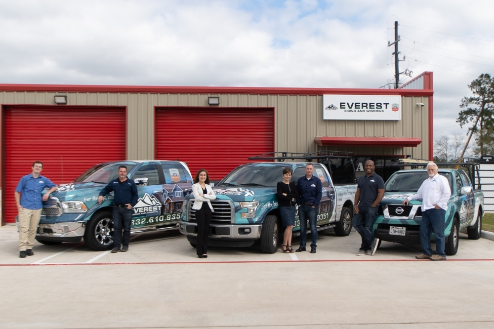 Everest Siding and Windows celebrated its ribbon-cutting March 3. (Courtesy Everest Siding and Windows)
