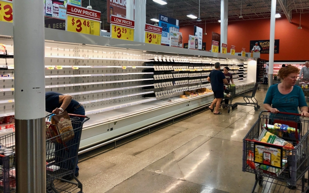 Employees at H-E-B locations in Georgetown are temporarily earning more per hour, including the location on Williams Drive. (Sally Grace Holtgrieve/Community Impact Newspaper)