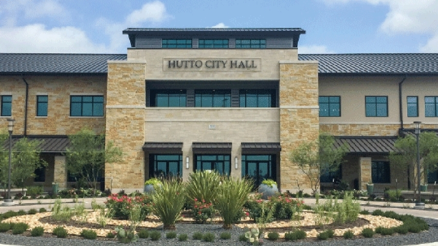 Hutto City Council unanimously voted April 2 in favor of selecting Eide Bailly LLP as the firm to conduct the city's upcoming forensic audit.  (Taylor Jackson Buchanan/Community Impact Newspaper)