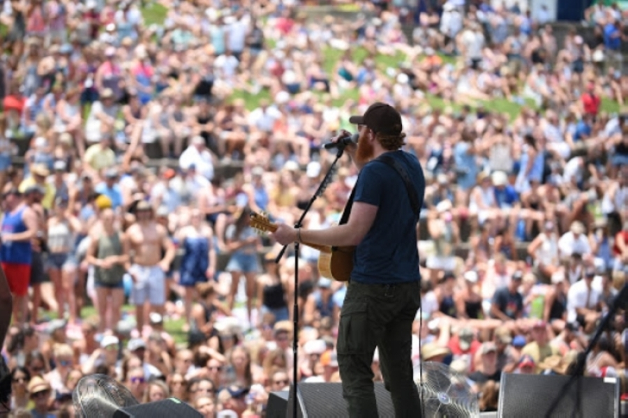 Eric Paslay performs at the Chevrolet Riverfront Stage on June 8 during the 2018 CMA Music Festival in downtown Nashville. (Courtesy Country Music Association)