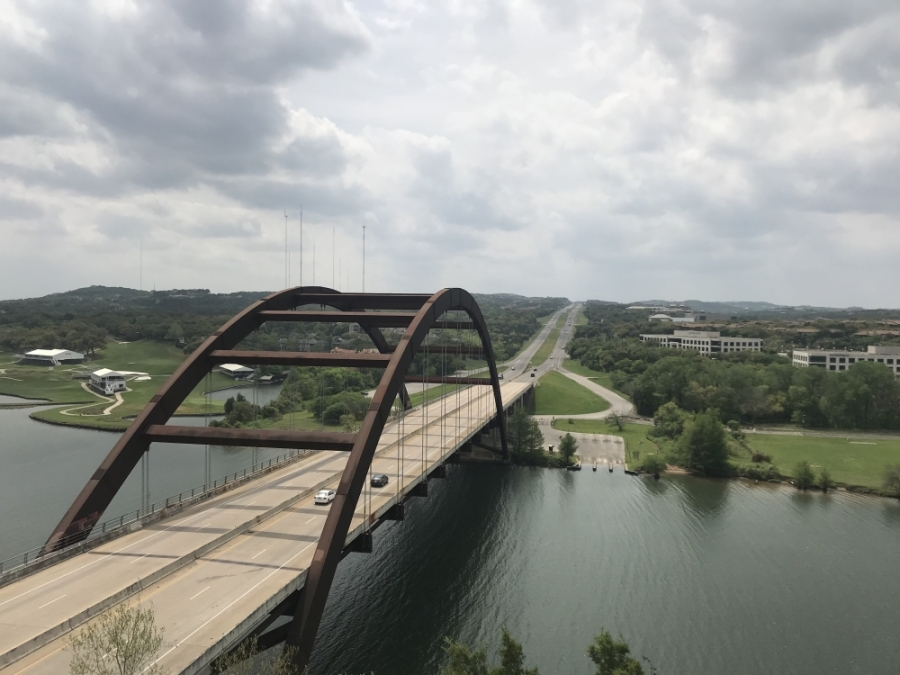 The Pennybacker Bridge sits almost empty at 2 p.m. on March 27. (Amy Rae Dadamo/Community Impact Newspaper)