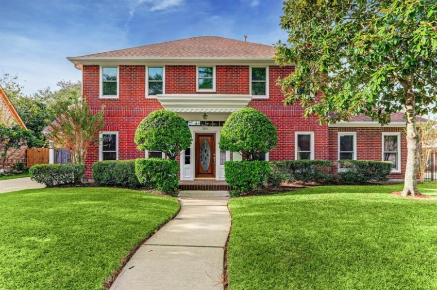 Bay Oaks, Clear Lake, Houston, real estate, featured neighborhood