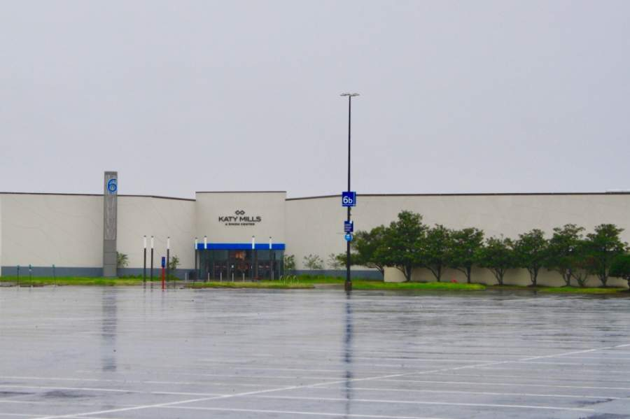 Katy Mills mall is deserted during a rainstorm April 4. (Jen Para/Community Impact Newspaper)
