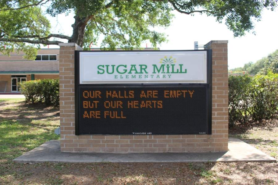 The marquee sign at Sugar Mill Elementary School. (Claire Shoop/Community Impact Newspaper)