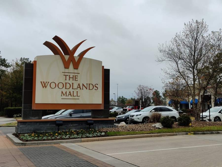 Several retailers at The Woodlands Mall are expected to reopen for to-go shopping April 24. (Ben Thompson/Community Impact Newspaper)