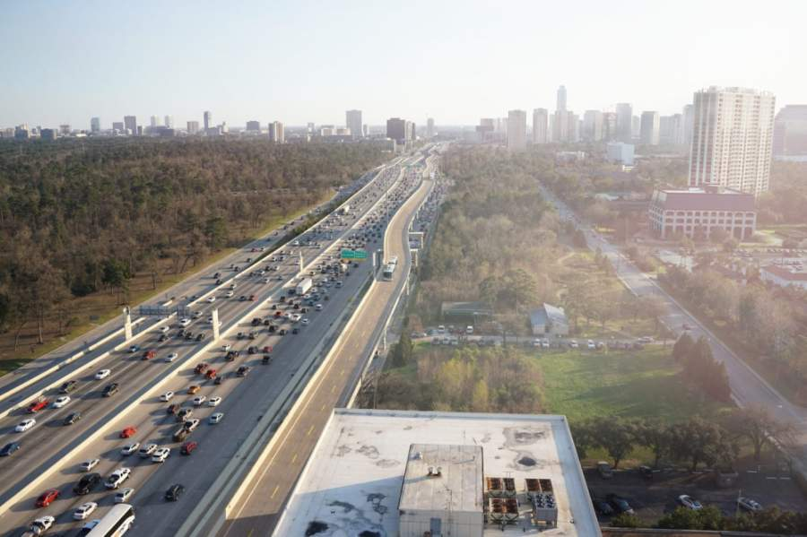 TxDOT's elevated bus lane project, along with the Uptown Management District's Boulevard Project, will support the city's first bus rapid-transit line. (Courtesy Uptown Management District)