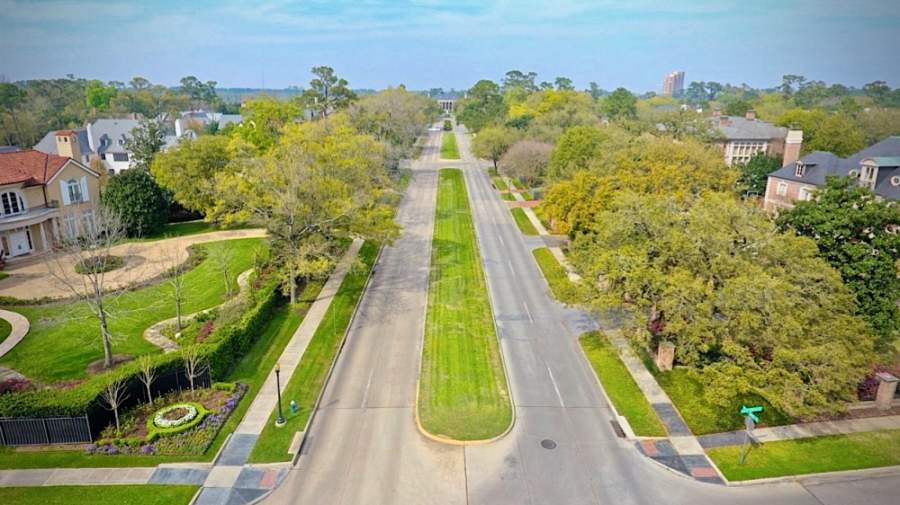 River Oaks Boulevard is receiving a long-awaited facelift thanks to the River Oaks Foundation. (Courtesy River Oaks Foundation)