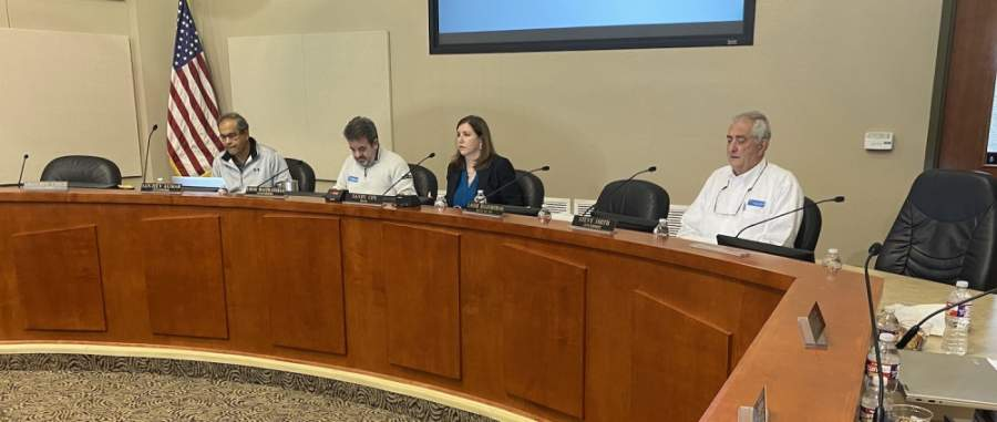 Lakeway City Council, shown here during a Jan. 13 meeting, met virtually May 4 for a special called meeting, (Brian Rash/Community Impact Newspaper)