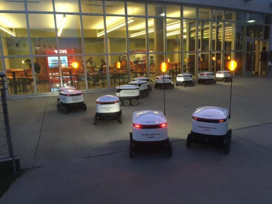 Starship Technologies offered its robot delivery service at The University of Texas at Dallas this school year. (Courtesy Liz Wigglesworth)