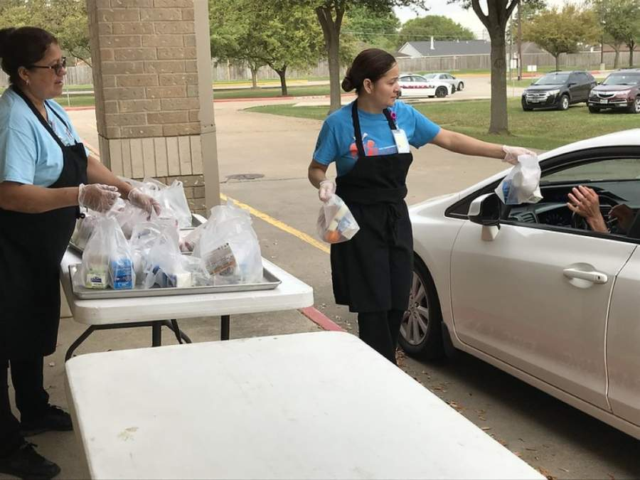 Katy ISD serves curbside meals to children