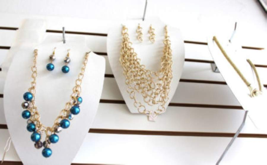 $1 Jewelry Galore in McKinney has announced that it will close. (Vanessa Holt/Community Impact Newspaper)