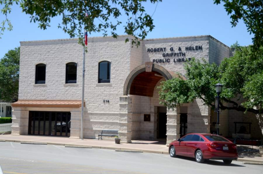 The Round Rock Public Library reopened for limited occupancy May 18 following a temporary closure due to coronavirus restrictions. (John Cox/Community Impact Newspaper)