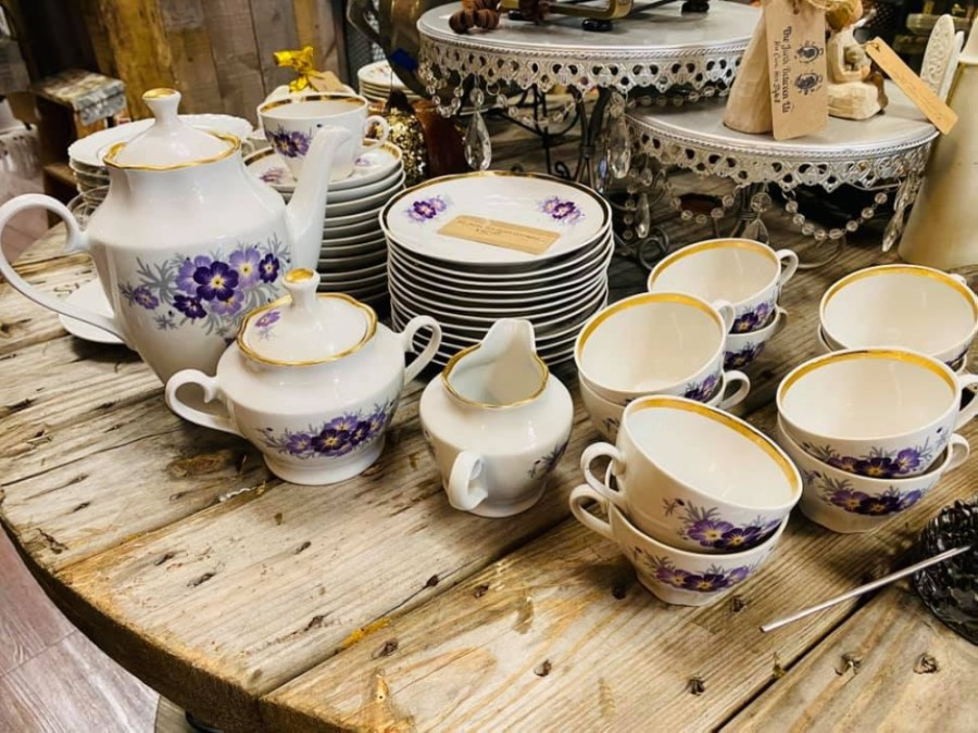 The thrift and consignment shop offers a wide variety of items, ranging from home decor and furniture to gently used clothing and jewelry. (Courtesy The Junk Between Us)