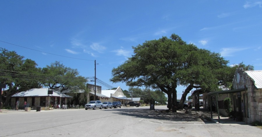 Mercer Street is home to the Dripping Springs business sector. (Nicholas Cicale/Community Impact Newspaper)