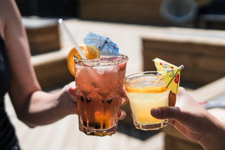 Although Texas restaurants will begin to open May 1, to-go alcohol sales will be allowed to continue, according to the Texas Alcoholic Beverage Commission. (Courtesy Pexels)